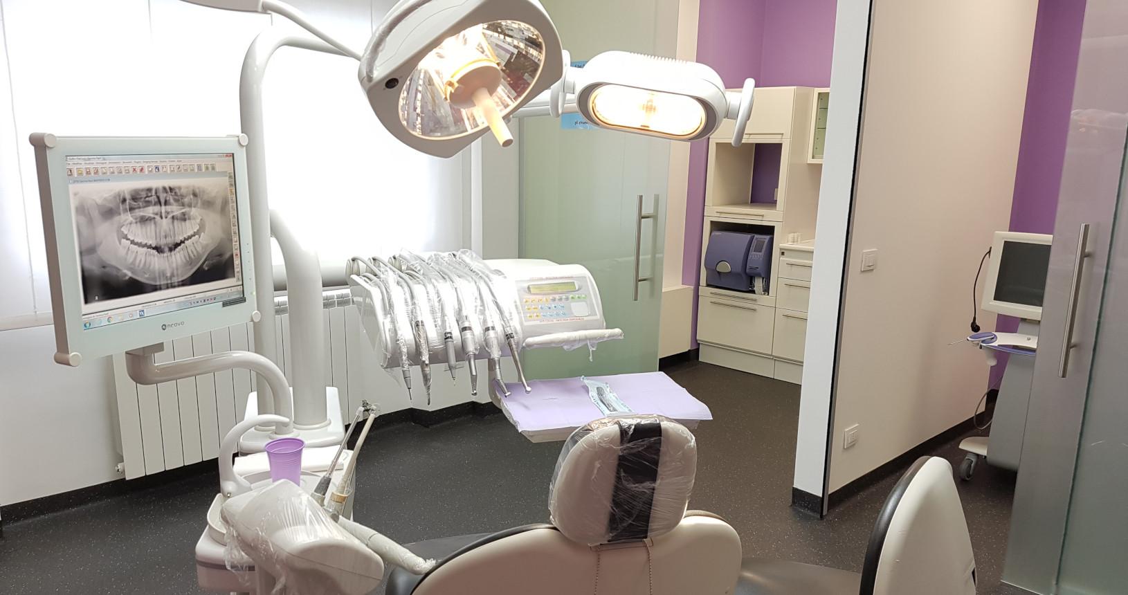 Romedio Studio Dentistico Monfalcone_sala chirurgica 2